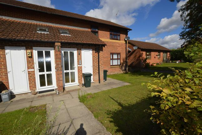 Thumbnail Maisonette for sale in Dulwich Way, Croxley Green, Rickmansworth