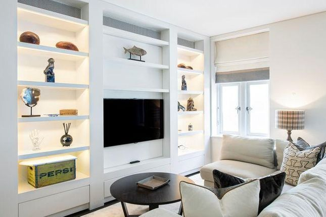 2 bed flat for sale in Windsor Road, Ealing, London W5