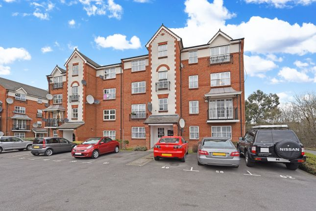 2 bed flat for sale in Shaftesbury Gardens, London
