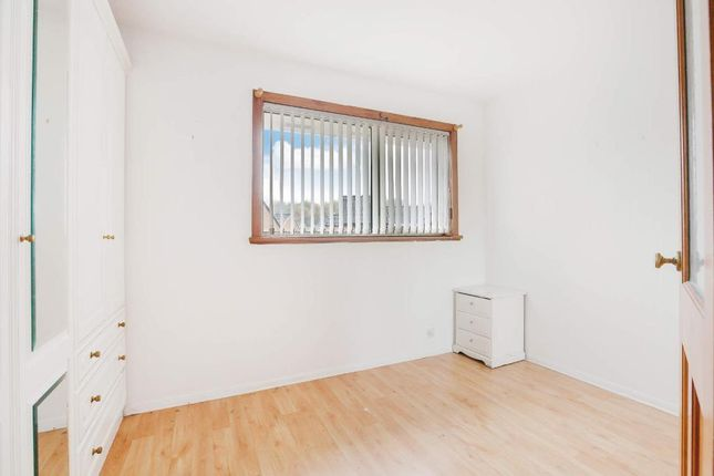 Bedroom 1 of Hogarth Drive, Carntyne G32