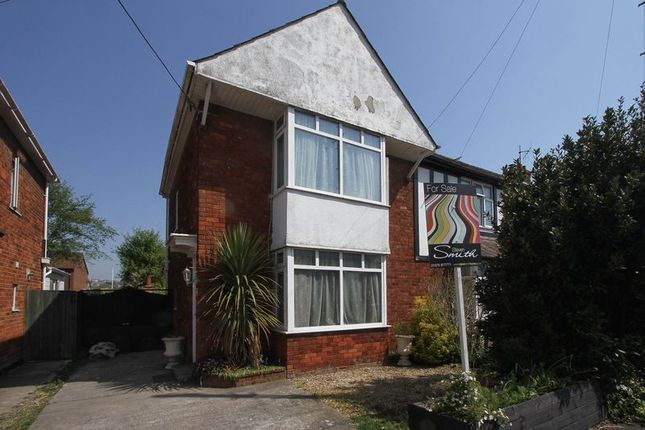 Thumbnail Terraced house for sale in St. Michaels Avenue, Clevedon