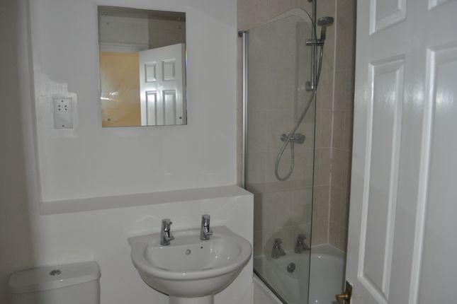 Family Bathroom of Lime Way, Heathfeild TN21