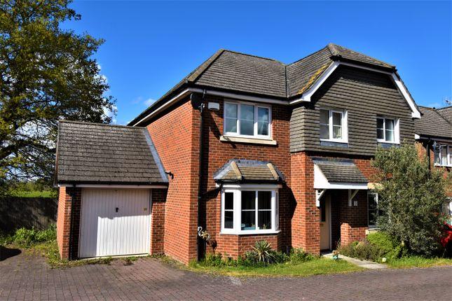 4 bed detached house to rent in Twynes Meadow, Hook RG27