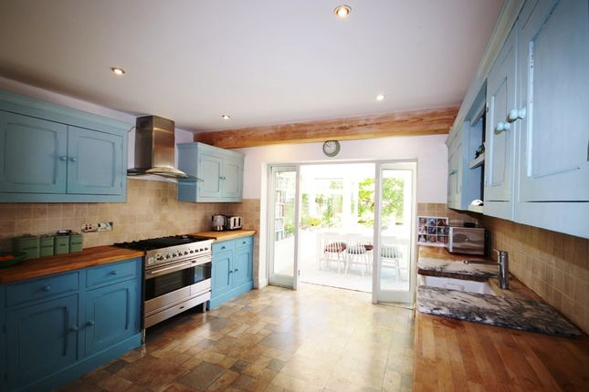 4 bed bungalow for sale in Waterloo Crescent, Bidford On Avon B50