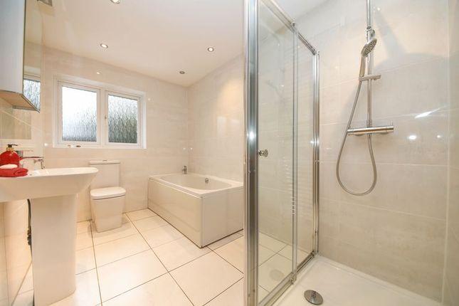 Bathroom of Mere Oaks, Standish, Wigan WN1