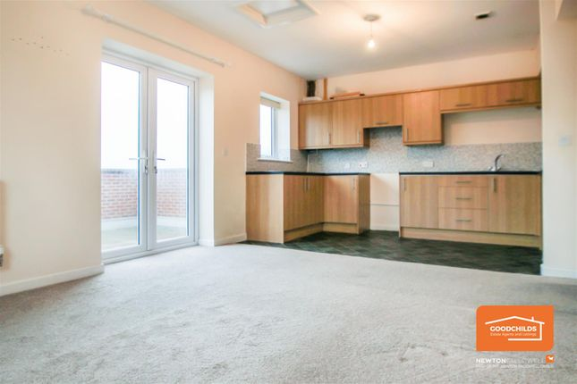 2 bed flat to rent in Lichfield Road, Walsall Wood, Walsall WS9