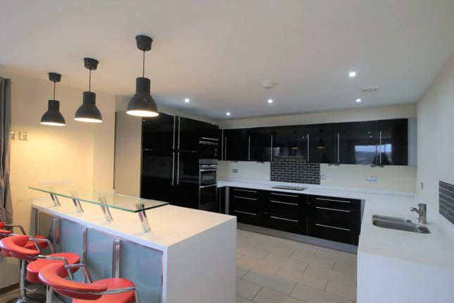 Thumbnail Flat to rent in City Gate West, Oldham Street