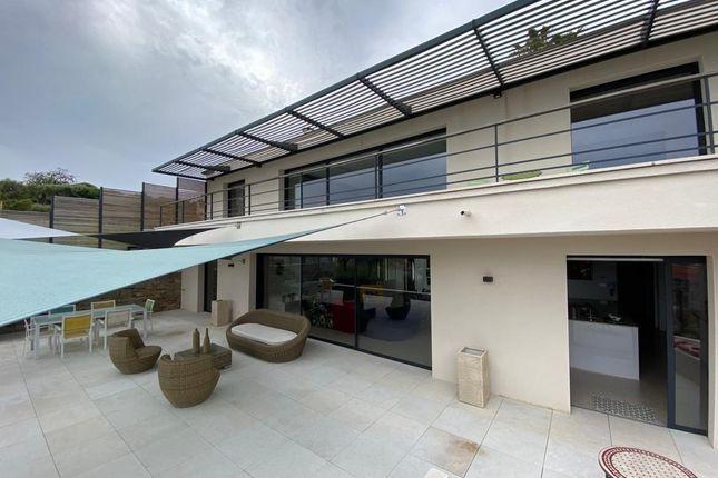 Thumbnail Villa for sale in Carqueiranne, Var, France.