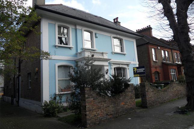 Thumbnail Flat to rent in Eastdown Park, Lewisham, London