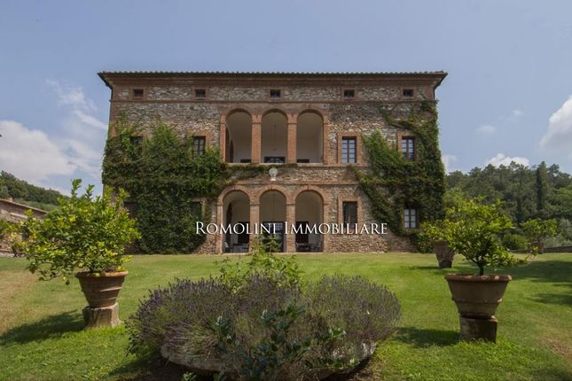 23 bed villa for sale in Siena, Tuscany, Italy