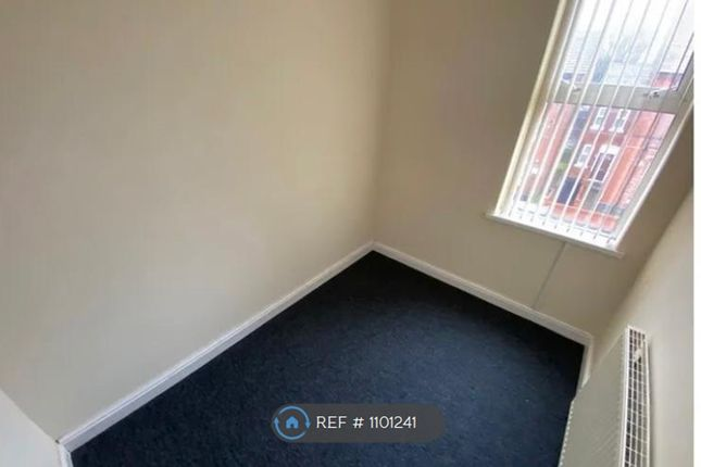 Room to rent in Vicarage, Smethwick B67