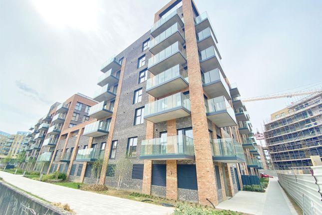 Thumbnail Flat to rent in James Smith Court, Dartford, Kent