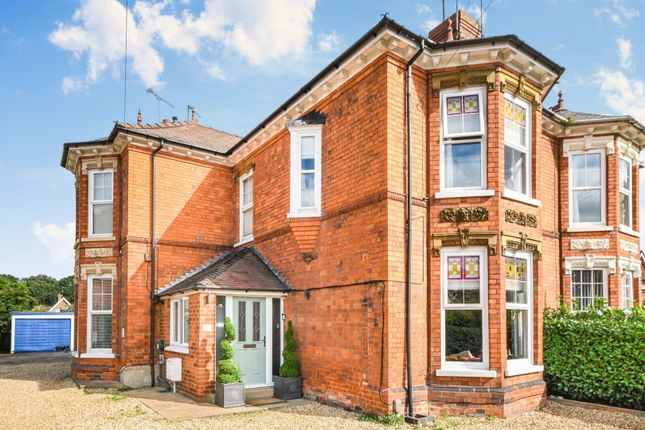 Thumbnail Flat for sale in Doddington Road, Lincoln