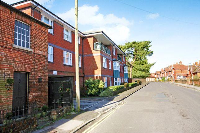 Thumbnail Flat to rent in New Park Street, Devizes