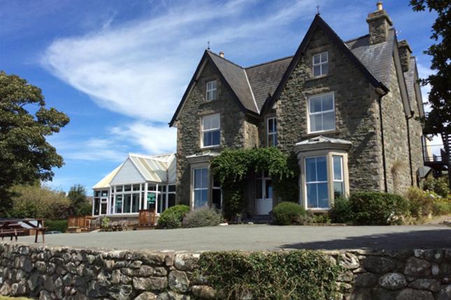 Thumbnail Pub/bar for sale in Snowdonia National Park Seaside Hotel LL44, Gwynedd