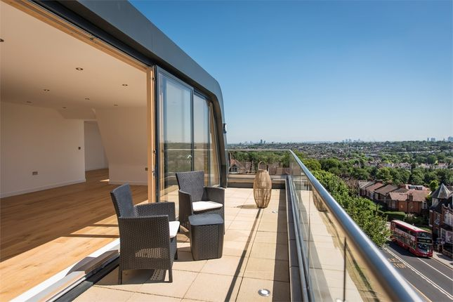 Flat for sale in Aspects, 30 Muswell Hill, London