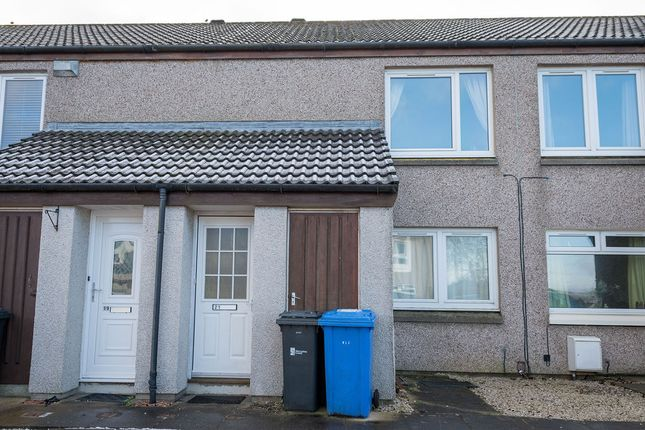 Thumbnail Flat for sale in Limebank Park, East Calder, Livingston