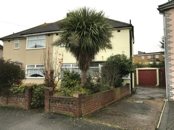 Picture No.14 of St. Andrews Avenue, Hornchurch RM12