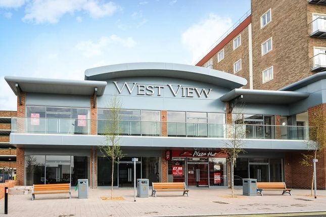 Thumbnail Retail premises to let in Westview, Market Street, Bracknell