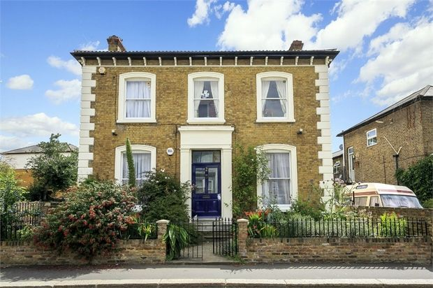 Thumbnail Detached house for sale in Woodlands Road, Isleworth, Middlesex