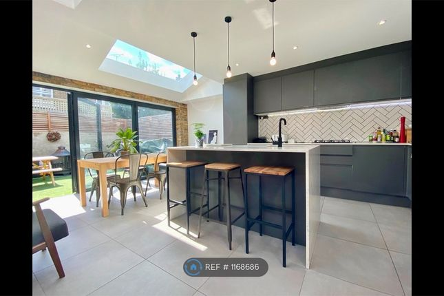 6 bed terraced house to rent in Khyber Road, London SW11