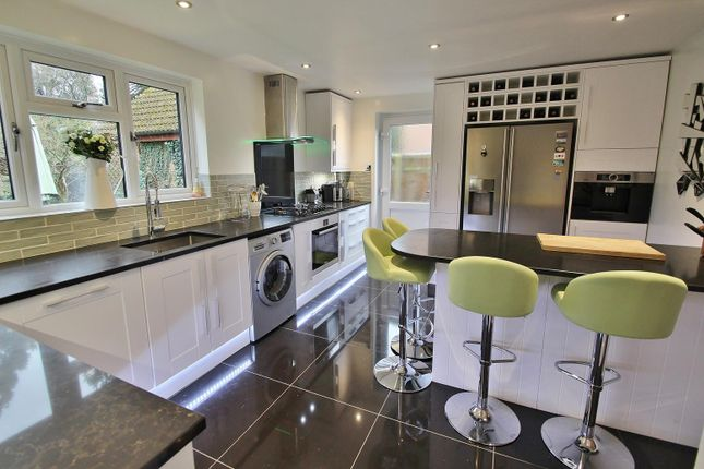 Kitchen 2 of Farmiloe Close, Purley On Thames, Reading RG8