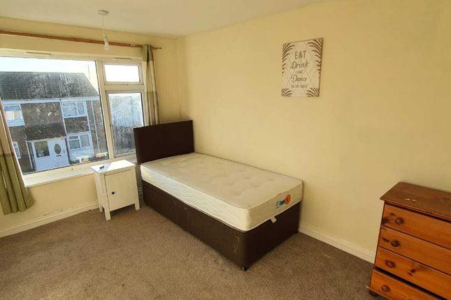 Room to rent in Pooltail Walk, Northfield, Birmingham B31