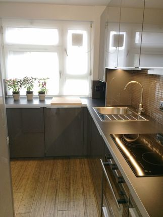 Thumbnail Flat to rent in Sheppard House Warner Place, London