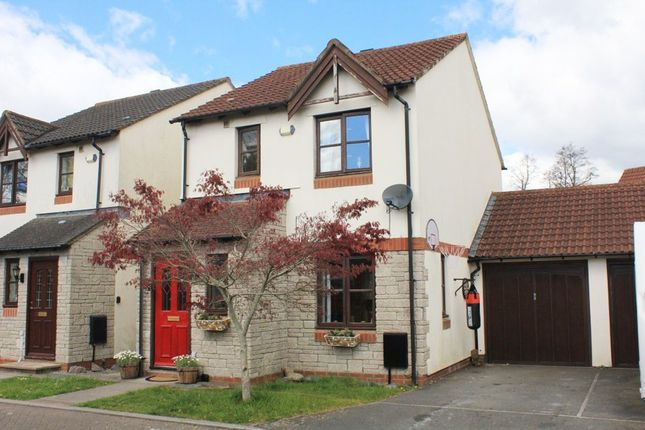 3 bed link-detached house for sale in Slanns Meadow, Kingsteignton, Newton Abbot