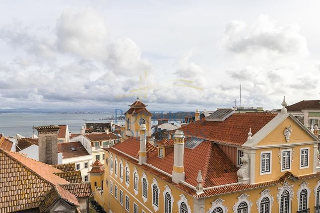 Thumbnail Apartment for sale in R. Do Prior, Lisboa, 1200-757, Pt