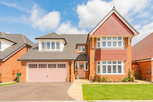 Thumbnail Detached house for sale in Palmer Way, Langdon Hills, Essex