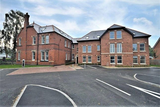 2 bed flat for sale in Hornbeam Close, Stockport SK2