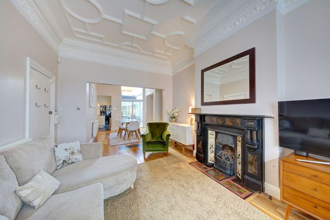 2 bed flat for sale in Marjorie Grove, London
