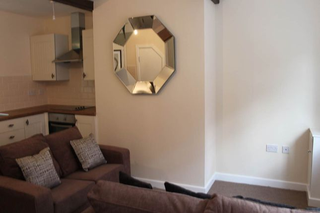 Thumbnail Cottage to rent in Cranford Place, Wilsden, Bradford