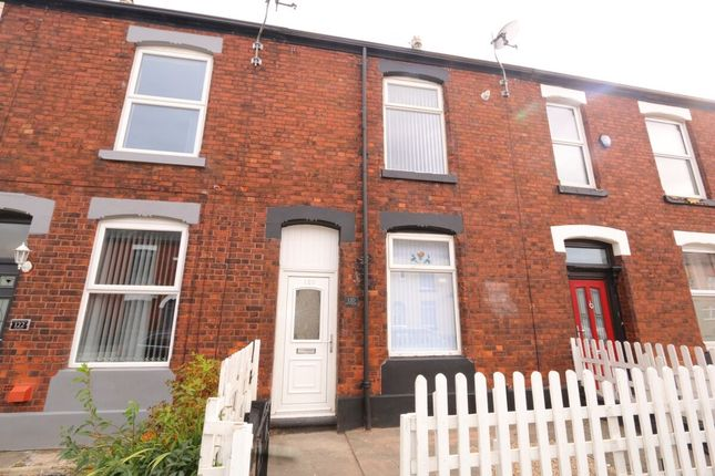 Terraced house to rent in Old Road, Hyde