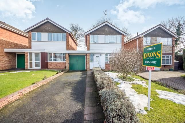 3 bed link-detached house for sale in Birches Rise, Willenhall, West Midlands
