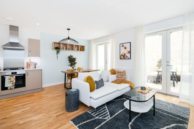 2 bed mews house for sale in Atkinson Road, Acton W3
