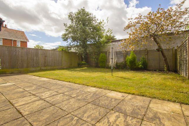 Garden of Reading Road, Burghfield Common, Reading RG7