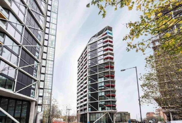 Thumbnail Flat to rent in Victoria Dock Road, London