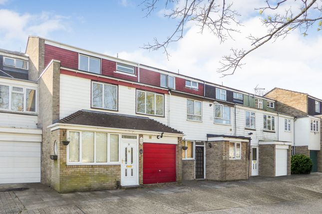 Thumbnail Town house to rent in Wateridge Road, Basingstoke