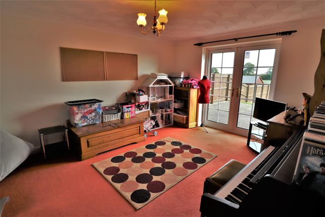 Family Room of Fiskerton Road, Reepham, Lincoln LN3