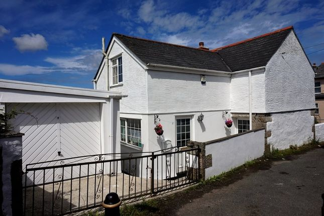 Thumbnail Detached house for sale in Drump Road, Redruth