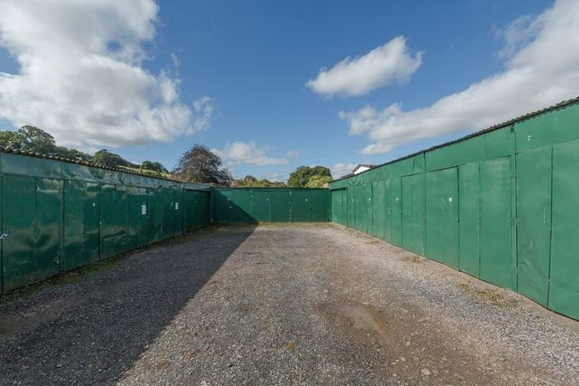 Parking/garage to rent in Kiddicott, Crediton