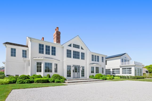Thumbnail Country house for sale in 51 Pheasant Ln, Southampton, Ny 11968, Usa