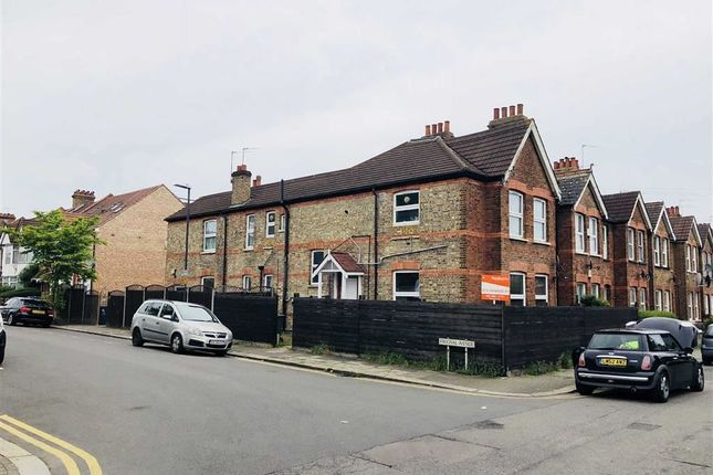 Thumbnail Maisonette to rent in Rosslyn Crescent, Harrow, Middlesex
