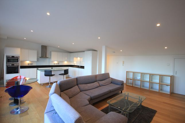 Thumbnail Flat for sale in Queens Wharf, Queens Road, Reading
