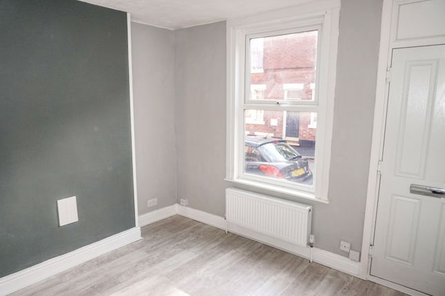 Living Room of Finsbury Avenue, Nottingham NG2