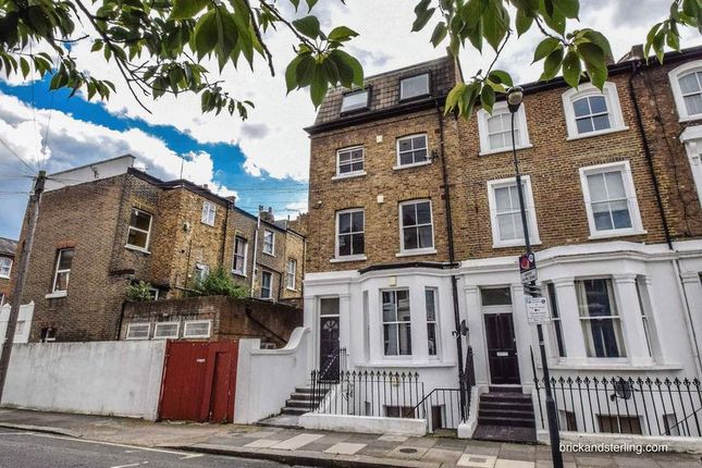 Thumbnail Flat to rent in Overstone Road, Hammersmith