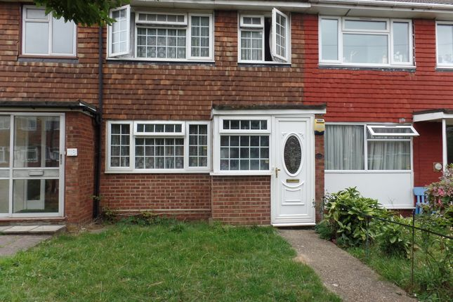 Thumbnail Terraced house to rent in Cleave Avenue, Hayes