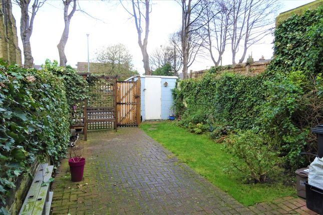 Garden of Waverley Road, Elland HX5